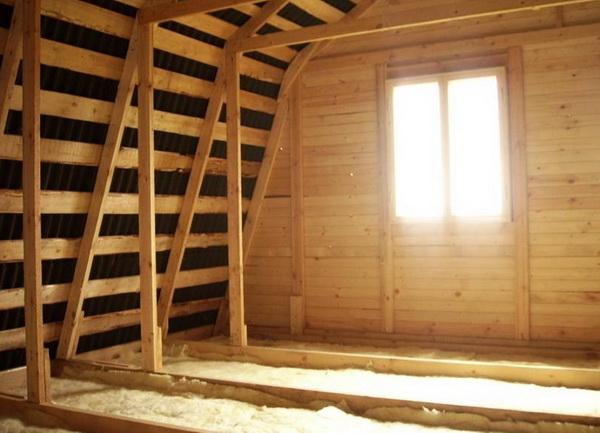 Технология утепления деревянного дома - монтаж утеплителя 2