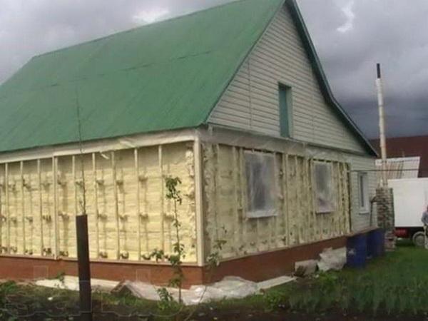 Утепление деревянного дома при помощи пенополиуретана 2