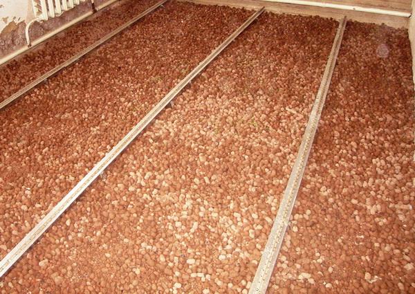 Как утеплять керамзитом чердак и крышу 2