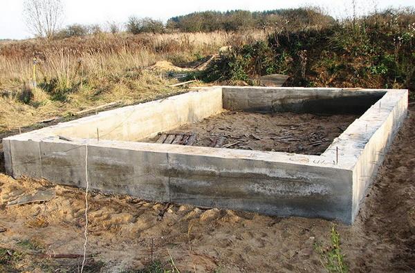 Фундамент под гараж своими руками - какие глубина, песок, щебень, раствор 2