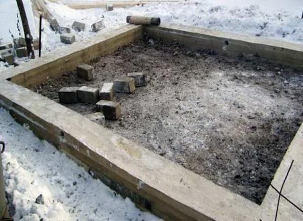 Фундамент под гараж своими руками - какие глубина, песок, щебень, раствор 5
