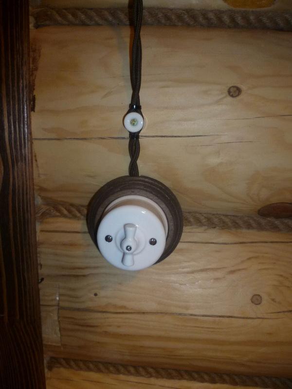 Наружная проводка в деревянном доме - правила и прокладка проводки 3