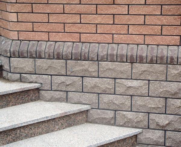 Чем облицевать цоколь дома - природный камень для облицовки цоколя жилья 2