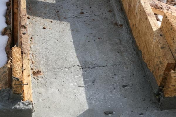 Треснул фундамент - что делать теперь, и как укрепить фундамент старого дома 3