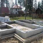 Висячий ростверк - фото ростверка на винтовых сваях и столбчатом фундаменте 1