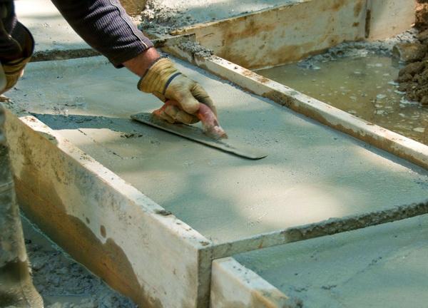 Как делать фундамент под дом, можно ли заливать фундамент частями и с временными промежутками 3