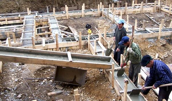 Как делать фундамент под дом, можно ли заливать фундамент частями и с временными промежутками 5