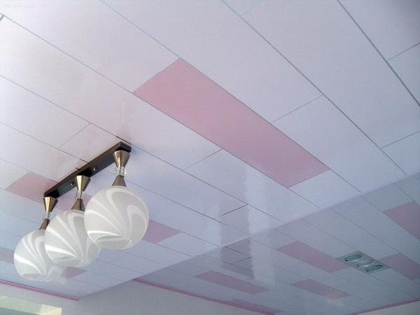 Панели ПВХ потолочные - обшиваем потолок в частном доме 5