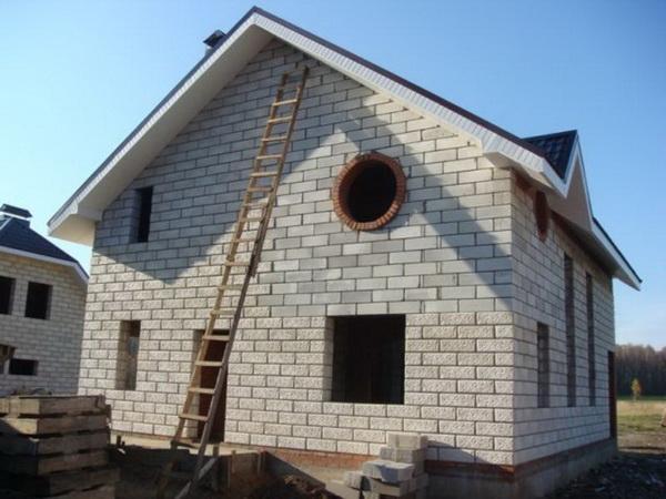 Типовые проекты домов из пеноблоков в частном строительстве 3