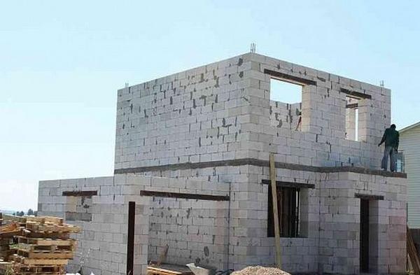 Что лучше использовать для постройки 2-х этажного дома - пеноблок или газоблок 5