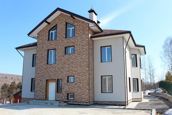 Виды и применение фиброцементных плит для фасадов частных домов 5