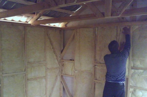 Как правильно утеплить стены в бане изнутри – способы и варианты 3