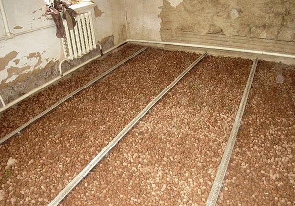 Какой фракцией керамзита лучше утеплять потолок