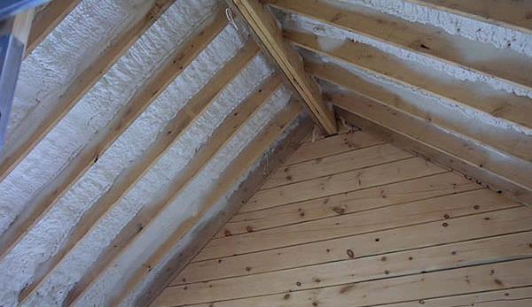 Можно ли утеплять пенополиуретаном крышу 4