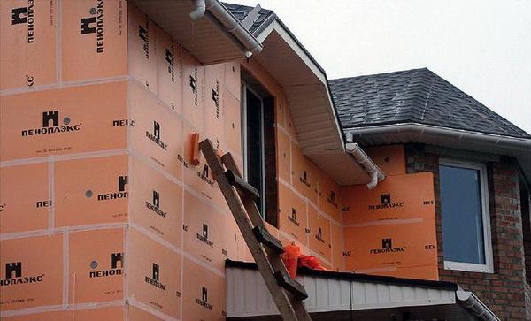 Пеноплекс или пенопласт - что лучше для утепления стен дома снаружи 4