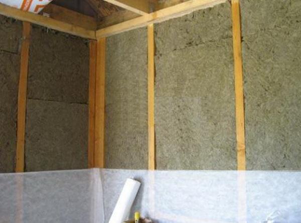 Пароизоляция стен каркасного дома изнутри современными материалами 2