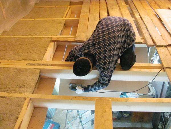 Чем можно утеплить потолок в бане дёшево и эффективно 2