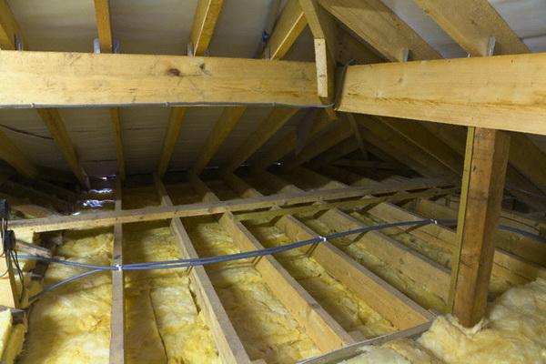 Чем можно утеплить потолок в бане дёшево и эффективно 3